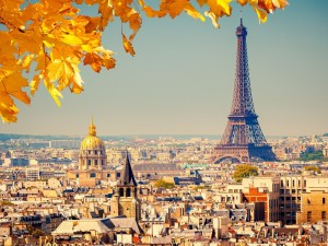 paris-eiffel-tower-autumn-1600x1200